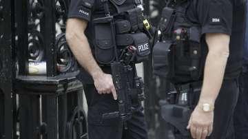 Полицията претърси адрес в Манчестър и освободи още трима души без обвинения
