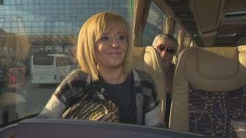 Омбудсманът Мая Манолова смени колата на НСО с автобус