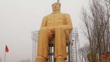 Огромна статуя на Мао Цзедун в Китай