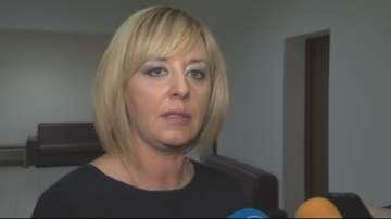 Мая Манолова свиква форум за защита на децата без родители