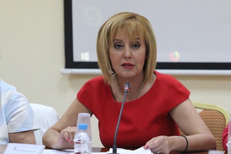 Мая Манолова подкрепи машинното гласуване