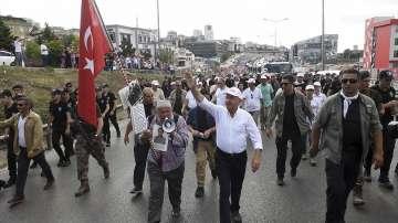 Хиляди на митинг в Истанбул