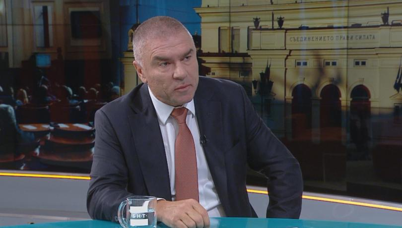 БСП и ДПС са се вторачили само във вицепремиера Валери