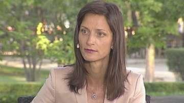 Как ще се справим с миграционния натиск - разговор с Мария Габриел