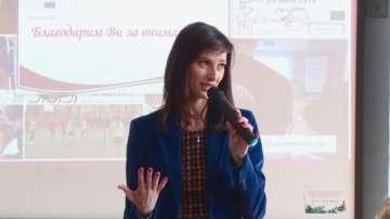 Мария Габриел ще поиска повече средства за програмата Еразъм+