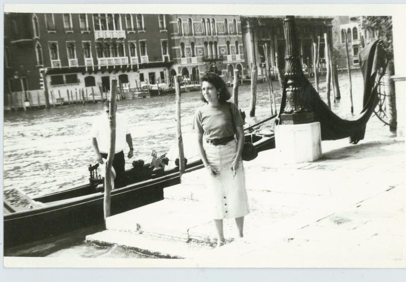 снимка 7 Отвъд границите: Мария Н. Ангелова и песента на цикадите