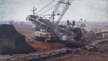 Държавните мини търсят спешно кредит за багери