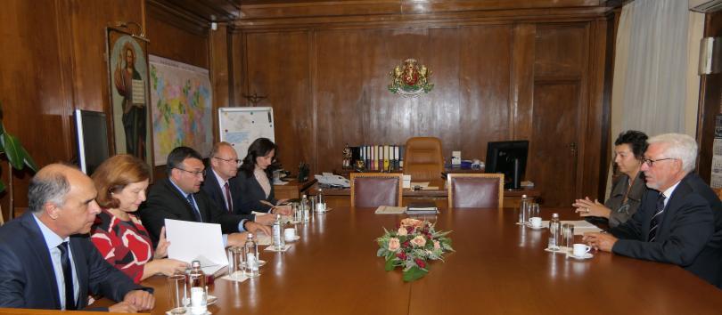снимка 1 Младен Маринов се срещна с почетния ни консул в провинция Хесен