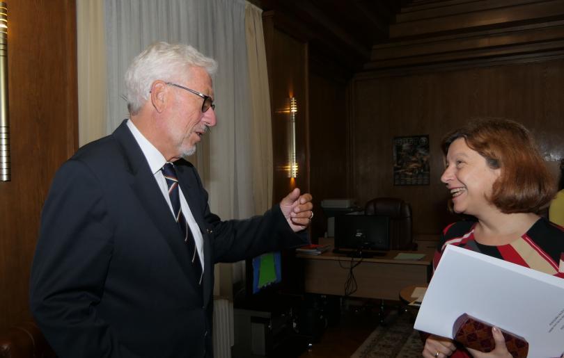 снимка 5 Младен Маринов се срещна с почетния ни консул в провинция Хесен