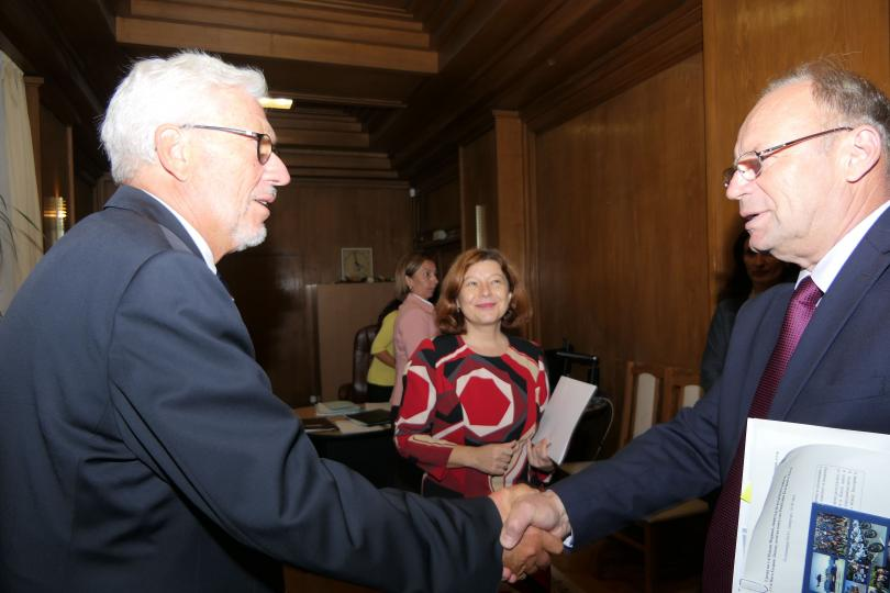 снимка 6 Младен Маринов се срещна с почетния ни консул в провинция Хесен