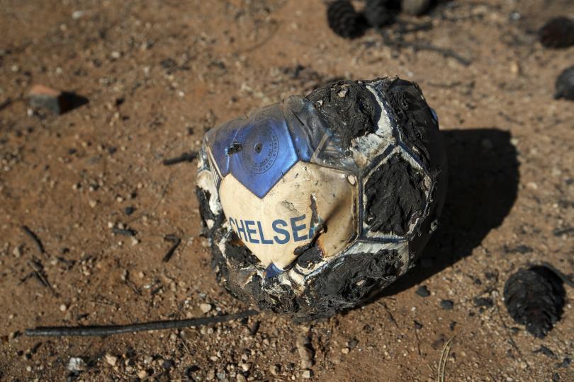 снимка 11 Трагедията отблизо: Под руините на опустошения град Мати (СНИМКИ)