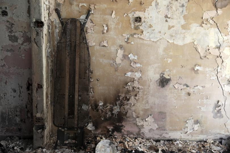 снимка 3 Трагедията отблизо: Под руините на опустошения град Мати (СНИМКИ)