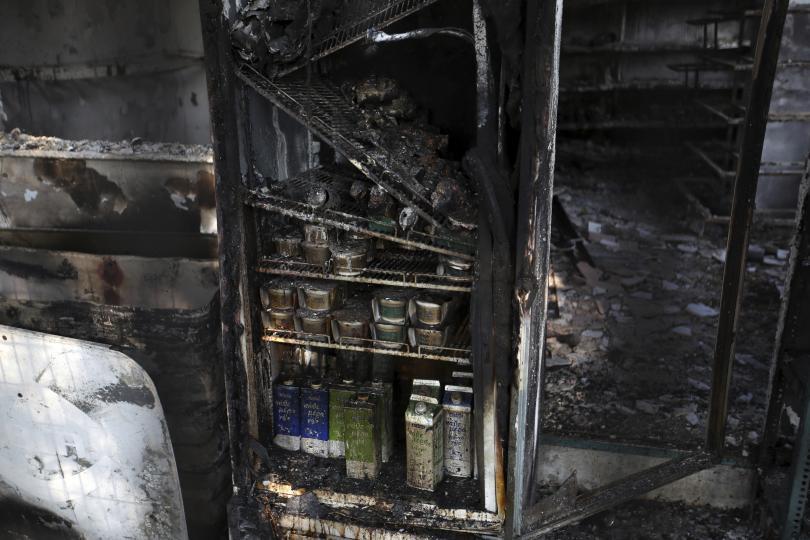 снимка 7 Трагедията отблизо: Под руините на опустошения град Мати (СНИМКИ)