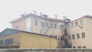 Изолация на Гимназията по битова техника в Пловдив се срути