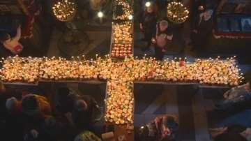 Уникален огнен кръст от буркани с мед озари благоевградската църква
