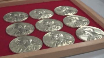 Къде се правят медалите за Нобеловите награди