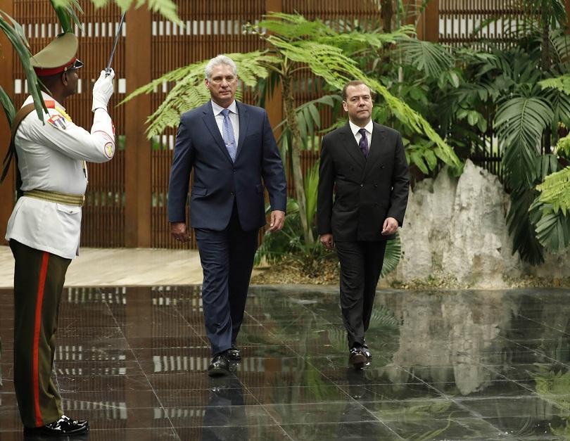 Руският премиер Дмитрий Медведев започна двудневно посещение в Куба в