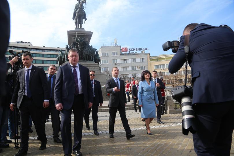 снимка 3 Дмитрий Медведев се срещна с председателя на НС Цвета Караянчева