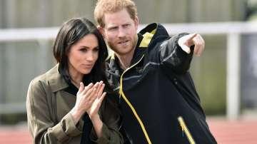 Мегзит: Хари и Меган губят кралските си титли