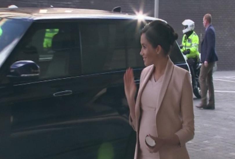 Студът във Великобритания не спря Хари и Меган от кралските им ангажименти