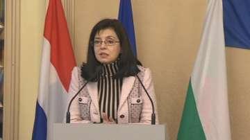 Меглена Кунева: Проблемите с радикализма ще се решат и през образованието