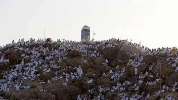 Над 2 милиона мюсюлмани от цял свят се събраха на хълма Арафат край Mека