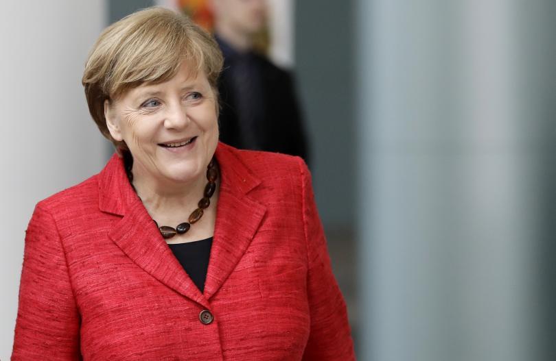 """Меркел започна трудните преговори по сформирането на """"Ямайка"""""""