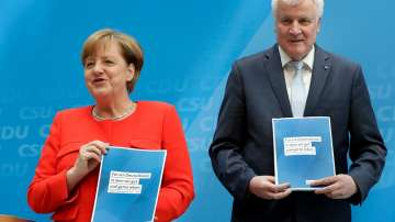 Меркел и Зеехофер представиха предизборната платформа на християндемократите