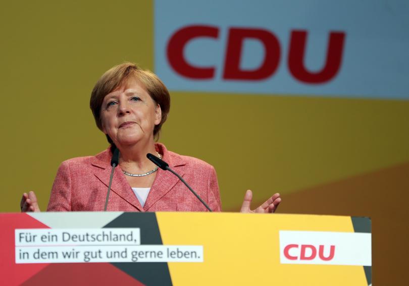 меркел приемът бежанци германия 2015 беше хуманитарно изключение