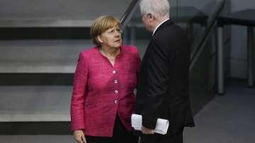 Германският вътрешен министър отправи ултиматум към Меркел