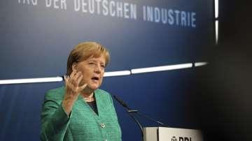 Меркел: Все още има бъдеще за дизеловите автомобили