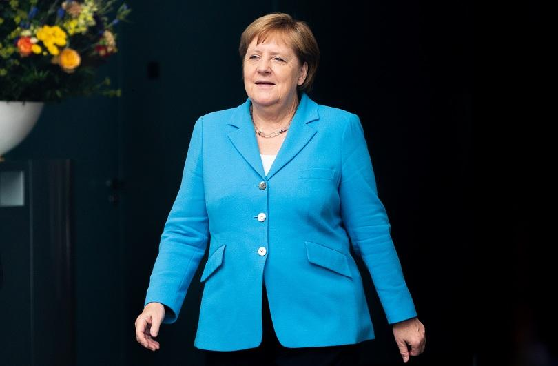 ангела меркел призова европа защитава демокрацията