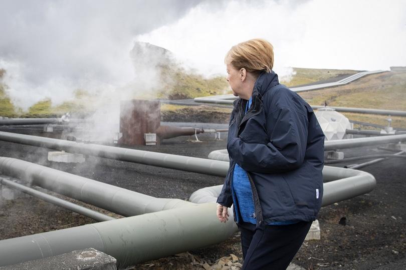 Германският канцлер Ангела Меркел е в Исландия за разговори с