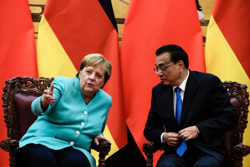 снимка 1 Ангела Меркел е на посещение в Китай
