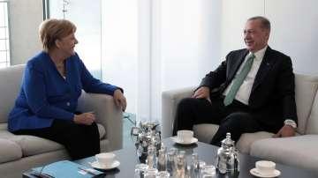 Меркел и Ердоган обсъдиха отношенията Берлин - Анкара на работна закуска