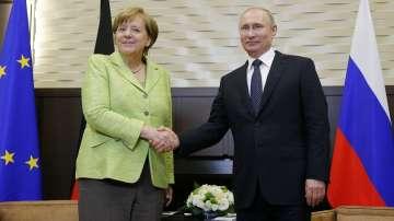 Меркел към Путин: Русия е важен партньор в Г-20