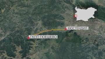 Автобус изгоря на пътя за Македония, няма пострадали