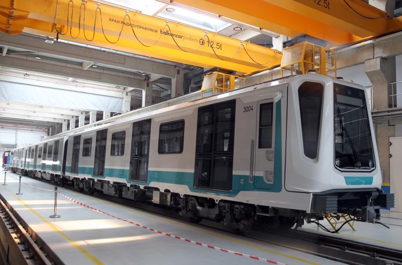 започват изпитания влаковете участъка третия лъч метрото