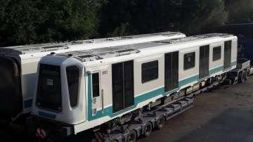 Първият от новите метровлакове за Линия 3 пристигна в София (СНИМКИ)