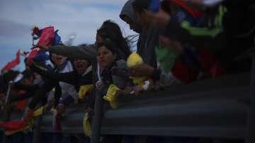 В Мексико образуваха жива верига срещу изграждането на стена по границата