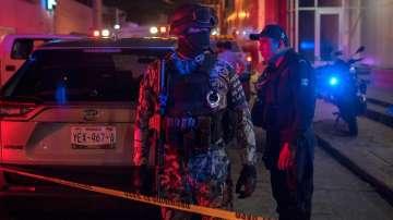 Десетки загинали при бомбена атака срещу нощен клуб в Мексико