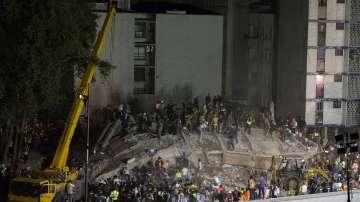 Продължават спасителните операции в Мексико
