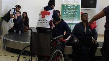 Расте броят на ранените при самолетната катастрофа в Мексико