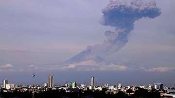 Мексико повиши нивото на тревога заради изригването на вулкан