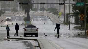 След урагана Ирма: Може със седмици да няма електричество в района на Маями