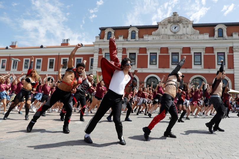 Флашмоб в памет на Майкъл Джексън в Мадрид, Испания