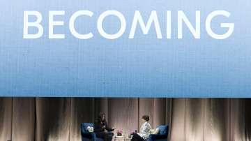 Барак Обама изненада Мишел при представянето на биографичната й книга
