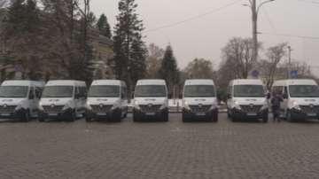 Нови микробуси в услуга на хората с увреждания в Столична община