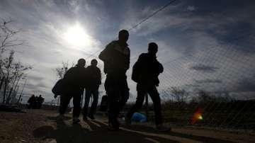 Сръбски митничари откриха нелегални мигранти в камиони и в празен товарен влак