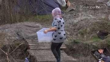 ОТ СЕДМИЦАТА: 8-и март за жените в бежанските лагери